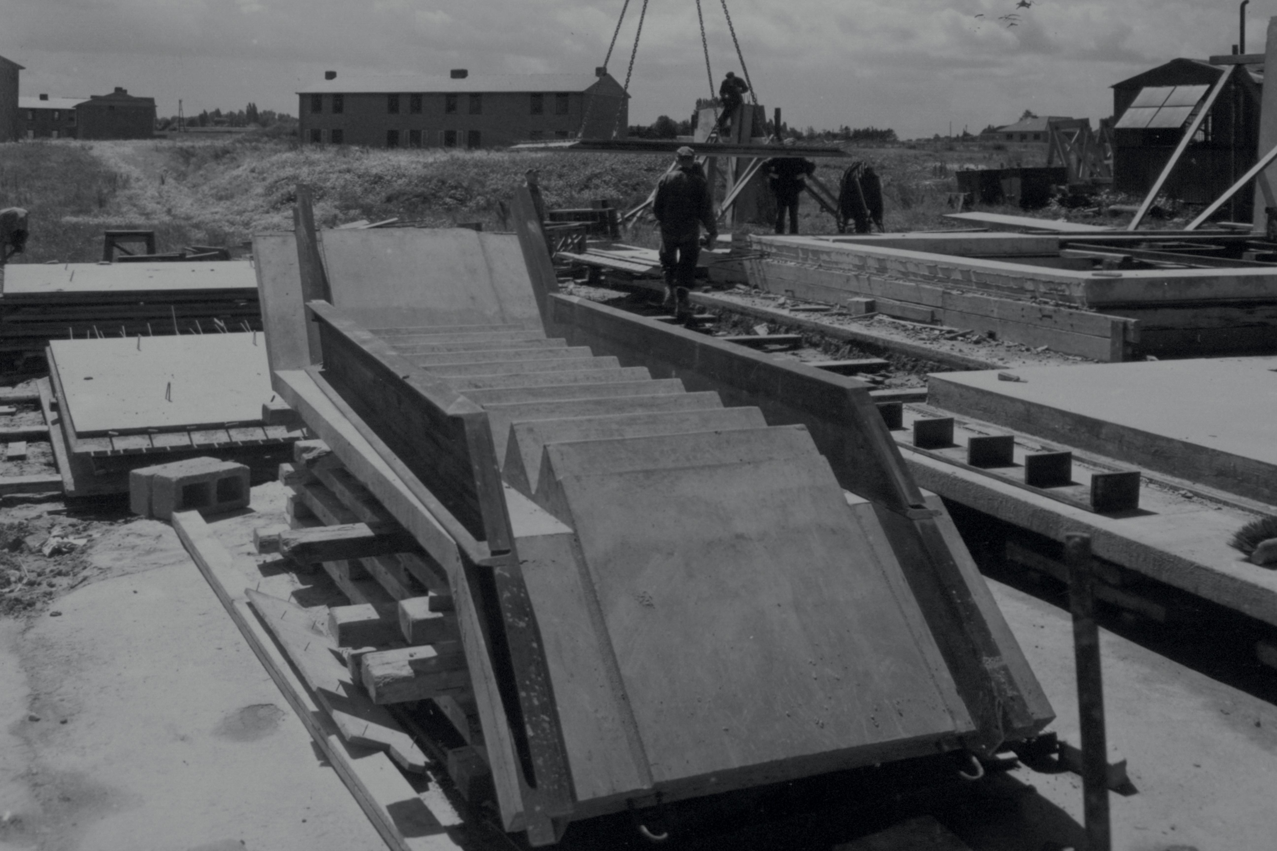 heavy prefab systems - Post-war building materials